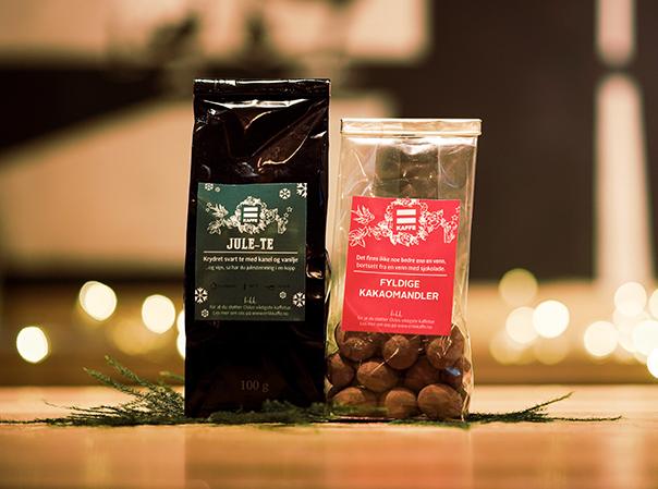 Julete og mandler med kakaotrekk fra =Kaffe