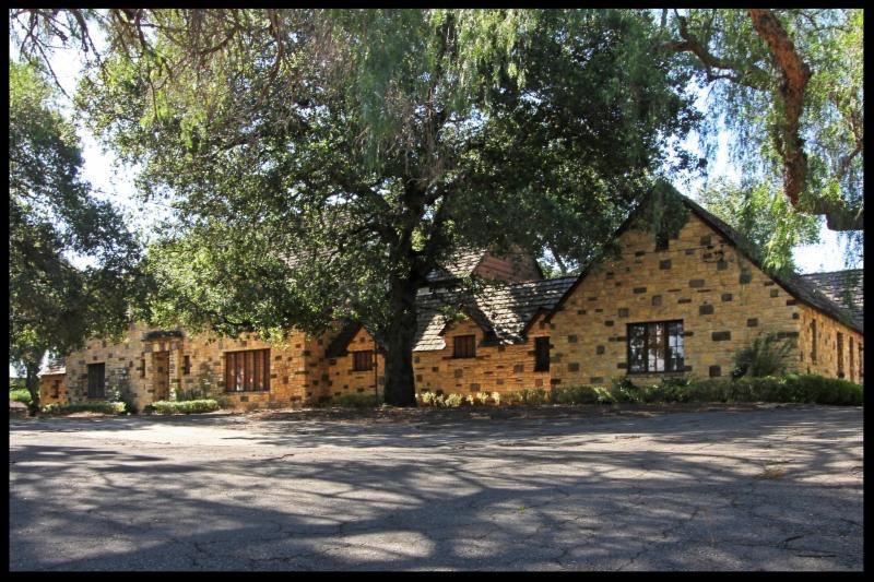 Front of Oakridge Estate residence.