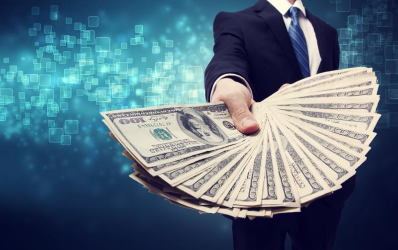 man_with_money_offer.jpg