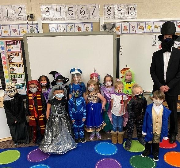 Pleasant Valley Elementary Costume parade