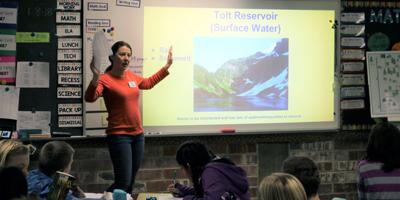 Amanda Royal teaching Groundwater
