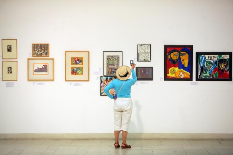 exhibition_painting.jpg