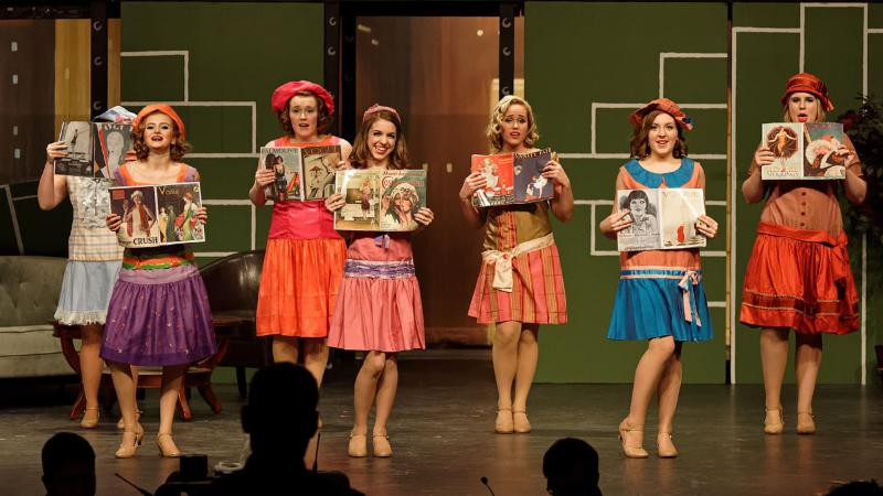 Students perform _Thoroughly Modern Millie_