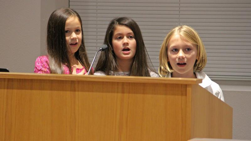 Beck Elementary School students led the pledge.