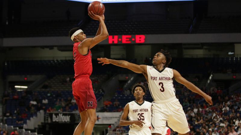 Avery Anderson takes a shot in the UIL State Championship game