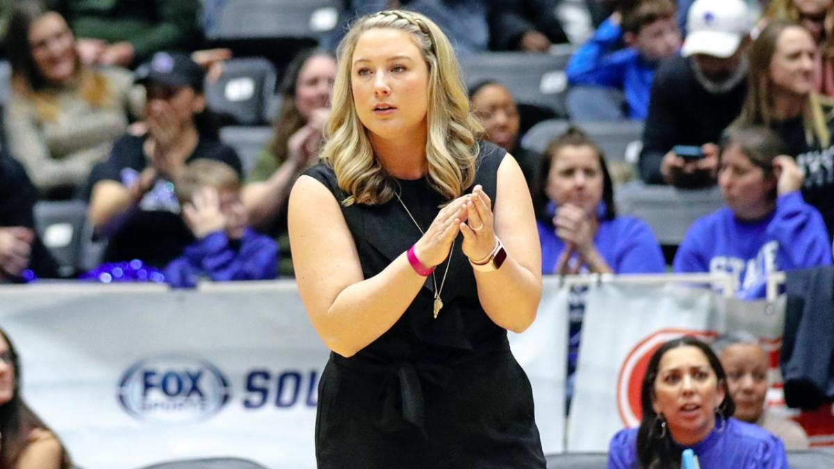 Brianne Groth coaches in the Byron Nelson volleyball state semifinal in November