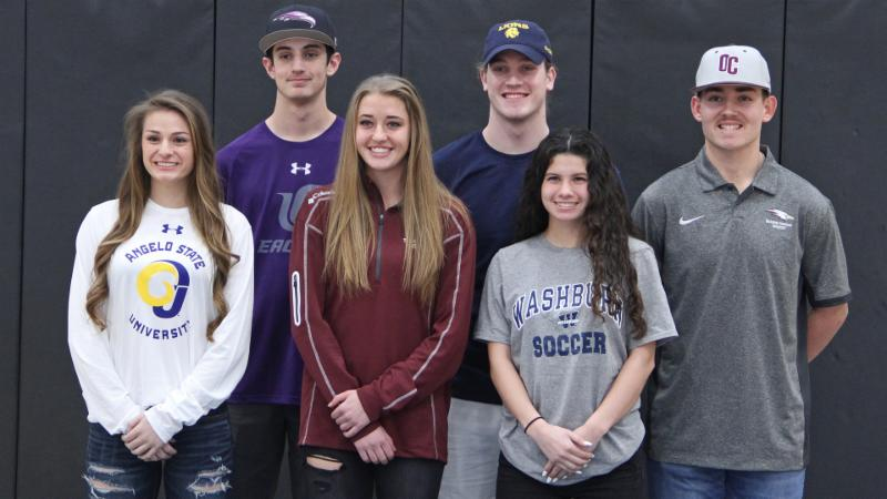 Byron Nelson_s recent collegiate sports signees