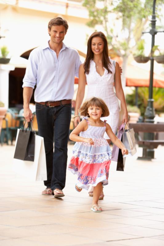 family_outdoor_shopping.jpg