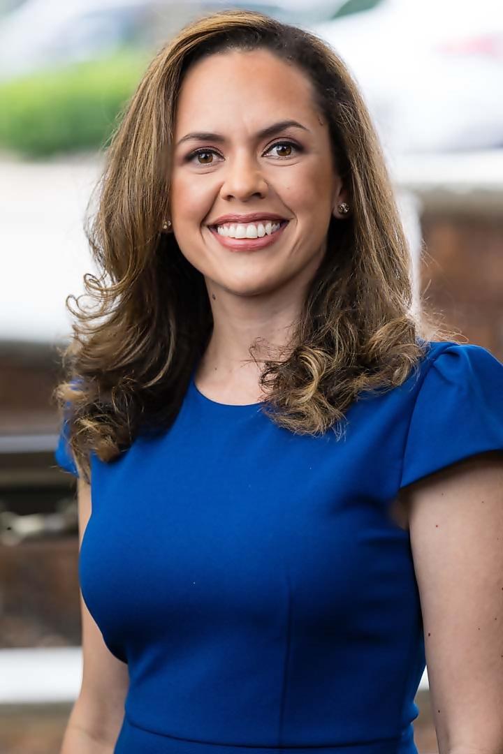 Isabel Mira
