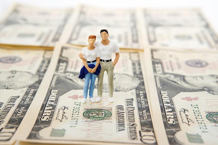 toy_couple_savings.jpg
