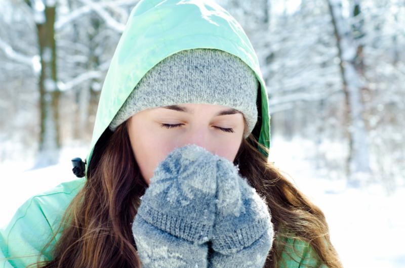 woman_park_snow.jpg