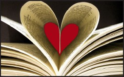 Book lovers night out heart pages