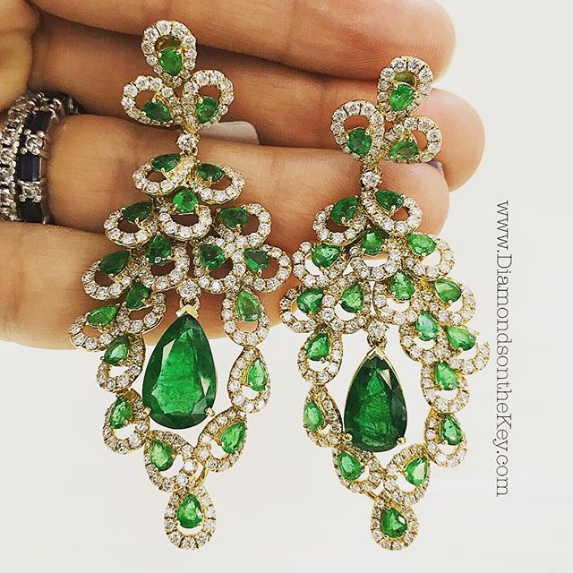 Had to post these #Emerald & #Diamond beauties as soon as I laid eyes on them. Couldn't wait for May #Swoon