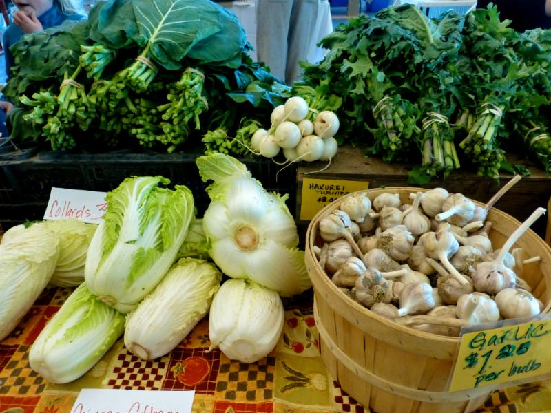 HFM greens garlics