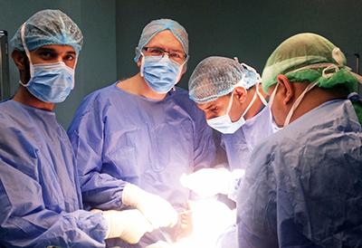 Dr. Spiegel in Surgery