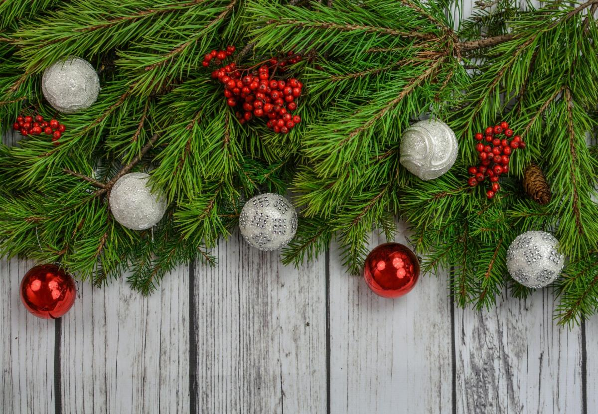 Holiday boughs