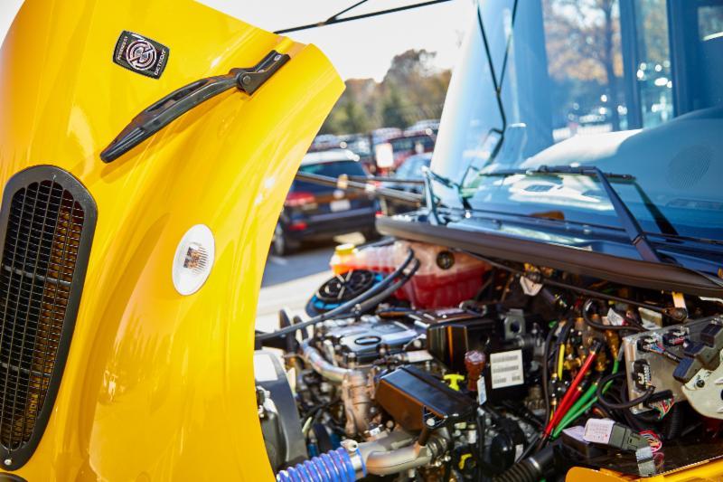 Detroit DD5 engine in the Saf-T-Liner C2