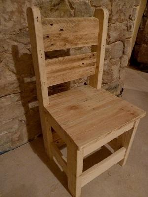 Chair made from pallet wood