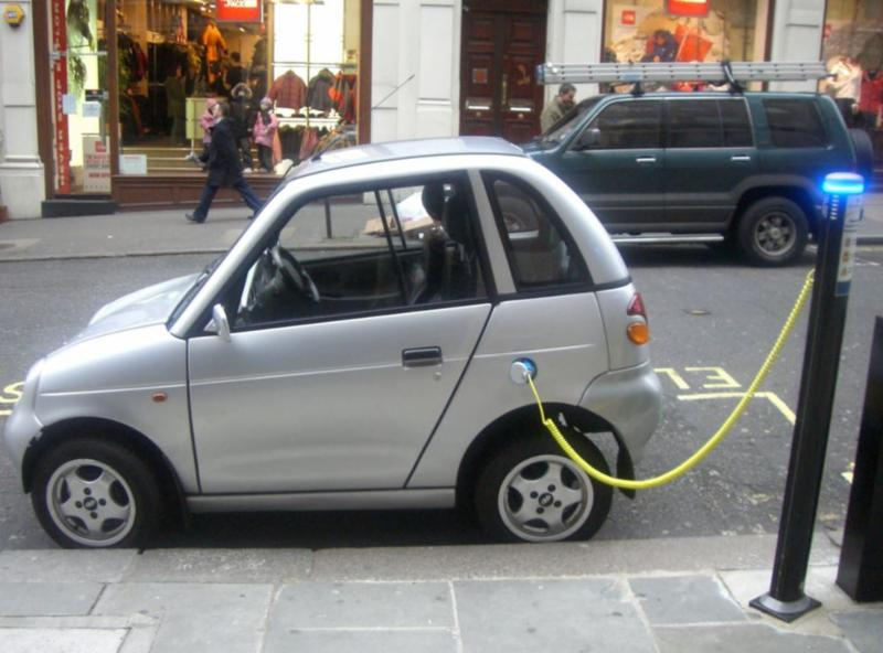 Electric car recharging on street