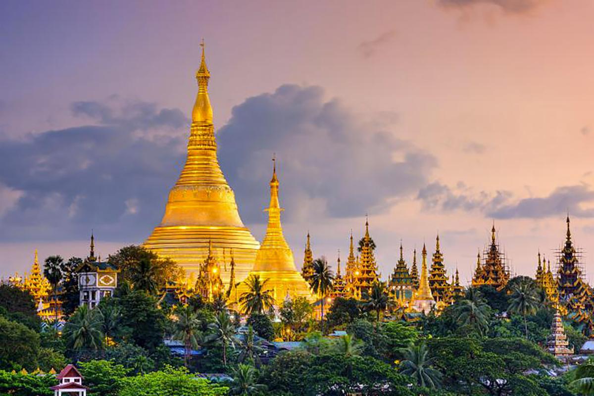 Travel-Burma-yangon-shwedagon-pagoda.jpg