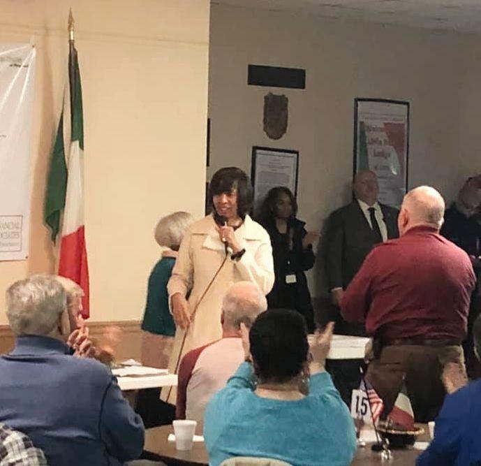 photo of mayor at meeting