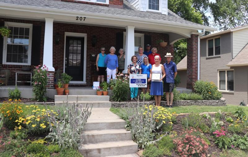 Washington In Bloom Yard of the Month contest winners for June 2019 - Bryan and Petra Haynes