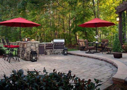 Stone and paver patio landscape - Belgard Stone