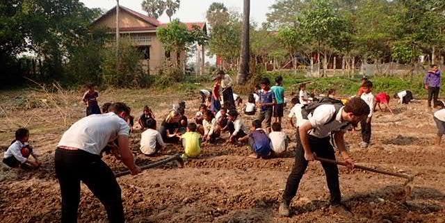 Group Gardening Kiri