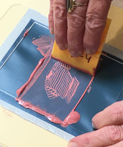 Applying a silk screen