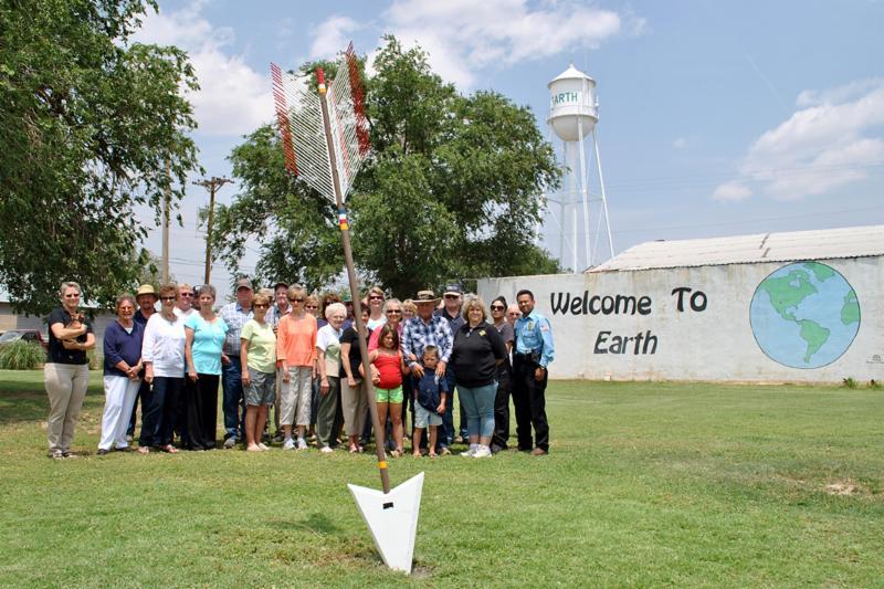 Quanah Parker Trail arrow installation_ Earth_ Texas_ 2014