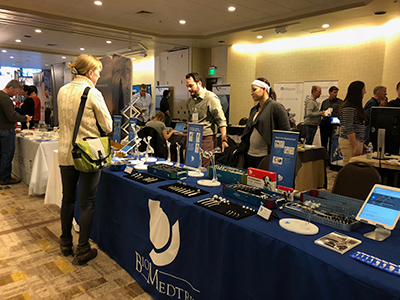 VOS 2018 conference participants visit exhibitors