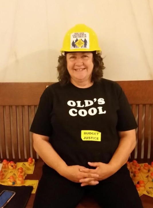 woman with a t-shire that says Old_s Cool