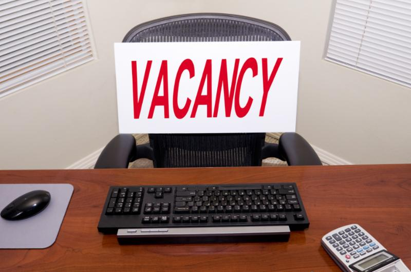 vacancy_sign_desk.jpg