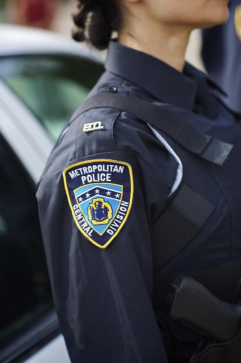 female_police_badge.jpg