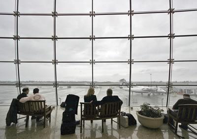 airport-waiting-people.jpg