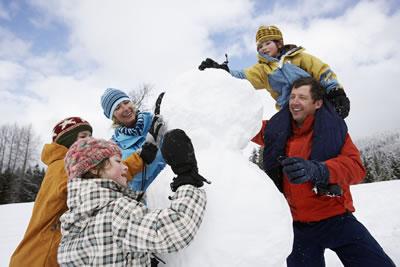 family-snowman.jpg