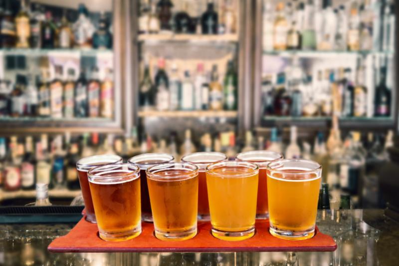 beer_flight_at_bar_2.jpg