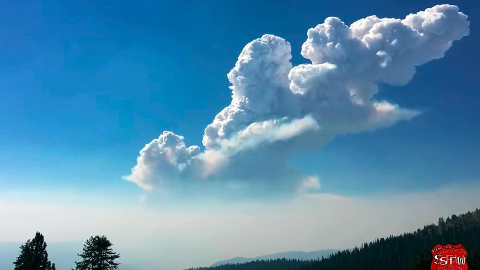 Smoke plume over Eastern Sierra