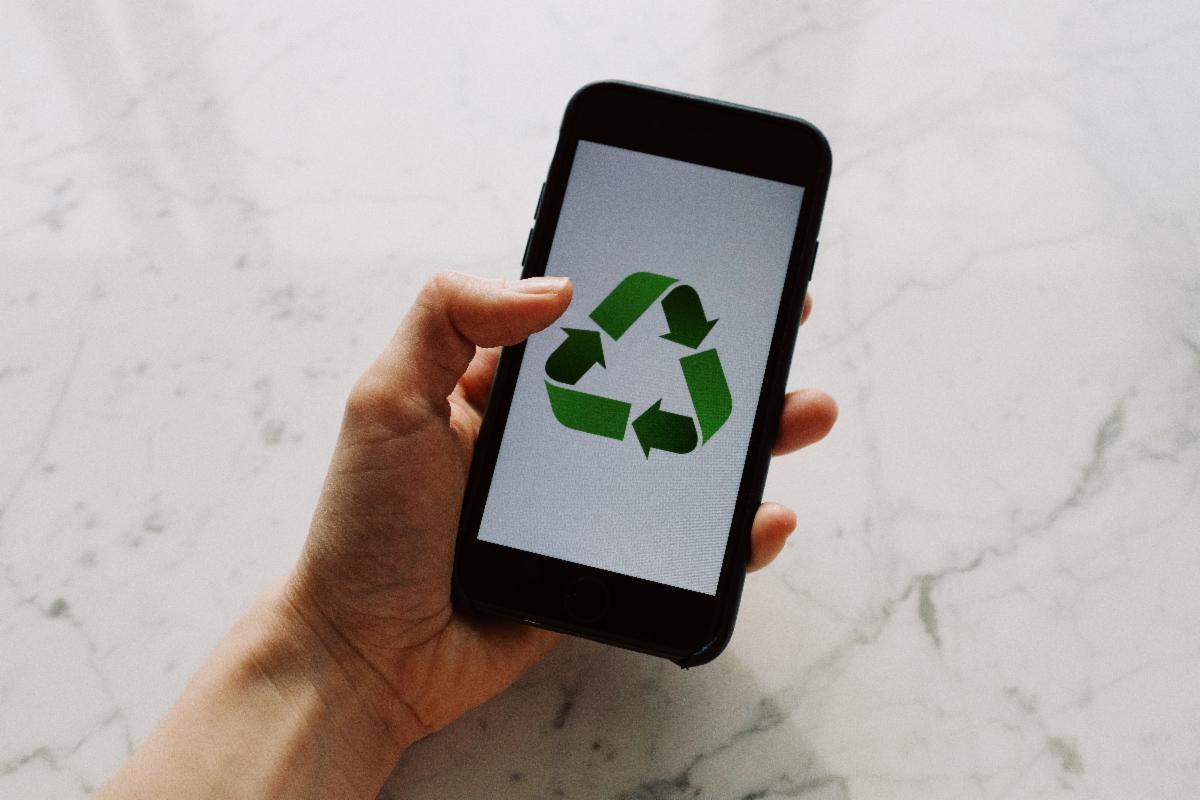 Recycle phone.jpg