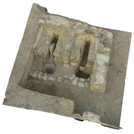 AA-S                                                            Pedestal