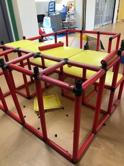 a partially disassembled climbing apparatus