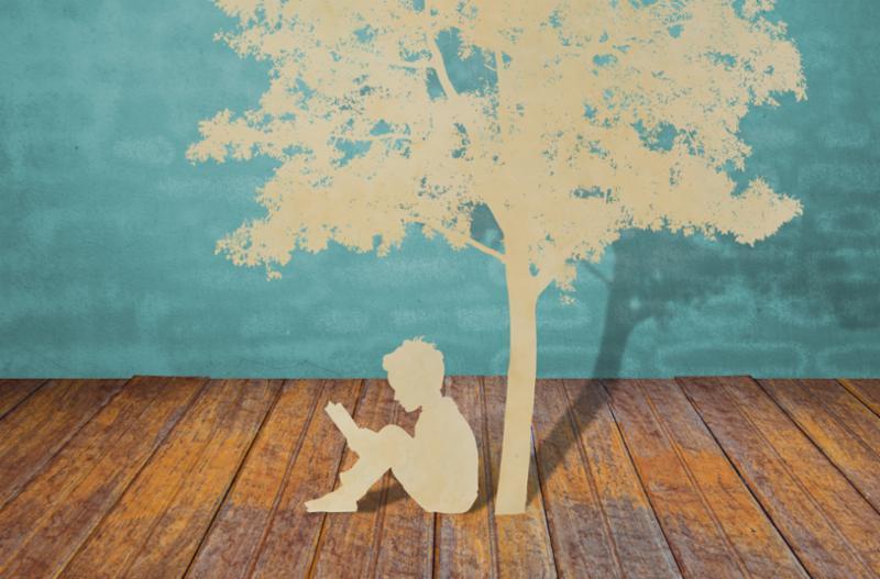 paper_cutout_child_reding.jpg