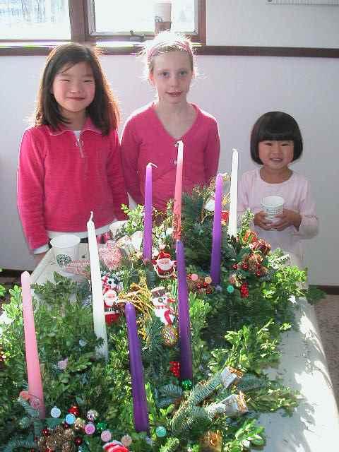 advent wreath girls
