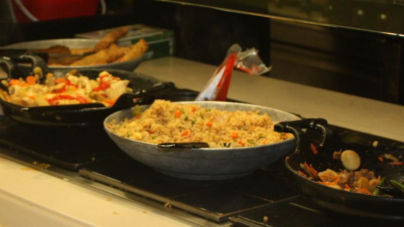 Selleck dining food