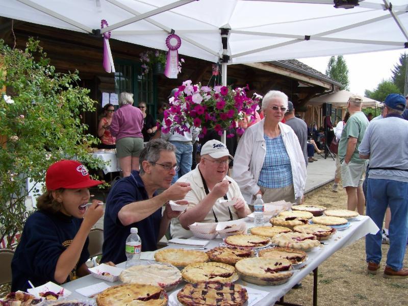 Joyce Daze Wild Blackberry Festival